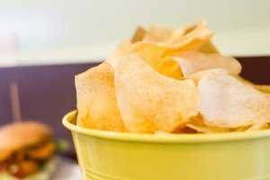 fonzie-burger-chips-tonde