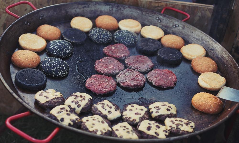 cottura hamburger padella piastra forno o barbecue