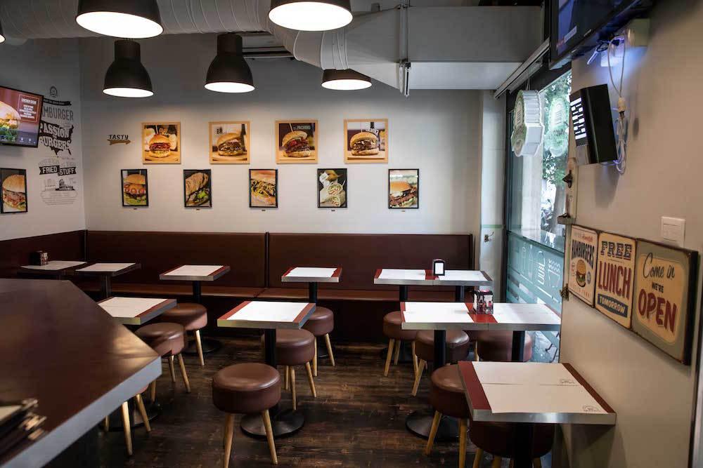 Cucina kosher a roma fonzie c 39 fonzie the burger house for Cucina e roma